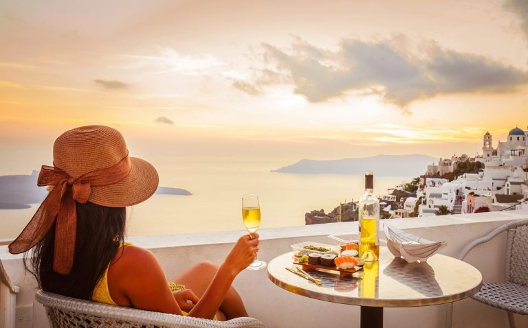 7 Of The Best Restaurants In Santorini