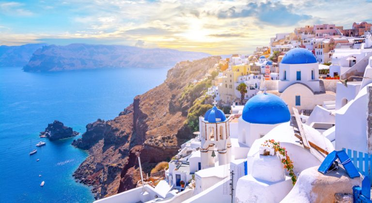 A Virtual Tour of Greece: Our Top Picks